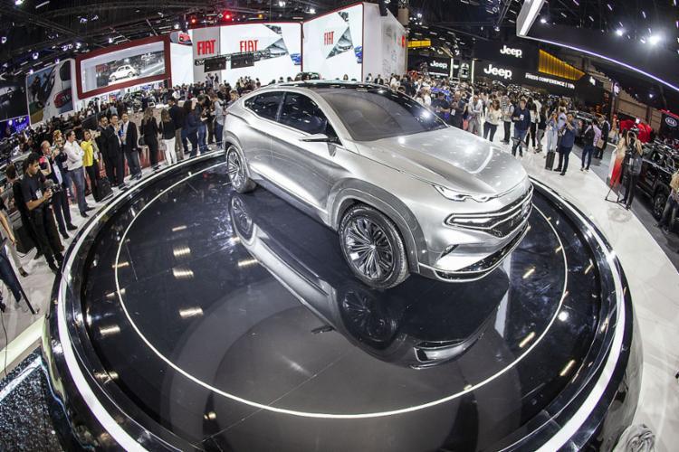 Fiat revelou no Salão do Automóvel que primeiro SUV virá da evolução do protótipo Fastback Concept - Foto: Divulgação l Fiat