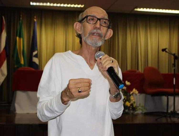 Professor morreu em decorrência de uma grave insuficiência cardíaca - Foto: Reprodução | Facebook