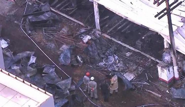 Segundo os bombeiros, dez pessoas morreram e outras três estão feridas - Foto: Reprodução | TV Globo