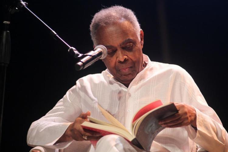 O cantor e compositor Gilberto Gil é o homenageado da 11ª Bienal da Une, que acontece em Salvador - Foto: Fernando Vivas / GOVBA / Divulgação