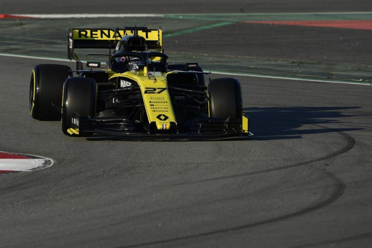 O piloto alemão precisou de apenas 24 voltas para registrar o melhor tempo de toda a semana, com 1min17s393 - Foto: Lluis Gene l AFP
