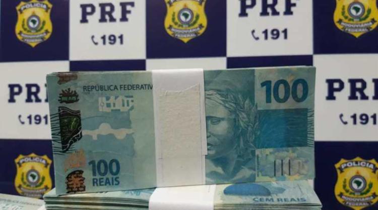 Homem afirmou que adquiriu as notas por R$ 20 mil em Foz do Iguaçu - Foto: Divulgação | PRF