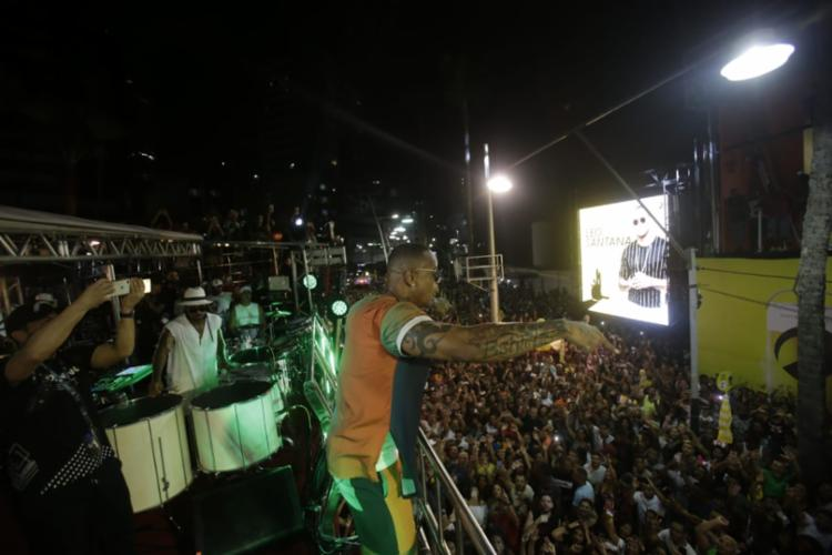 Pelo segundo ano consecutivo, o 'Gigante' embalou o evento de pré-Carnaval na orla de Salvador - Foto: Adilton Venegeroles | Ag A TARDE