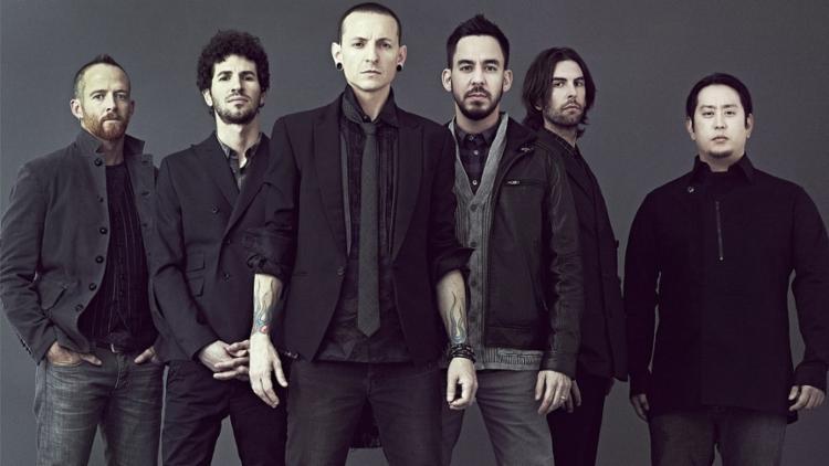 Mike Shinoda não descartou a possibilidade de a banda encontrar um novo vocalista - Foto: Divulgação