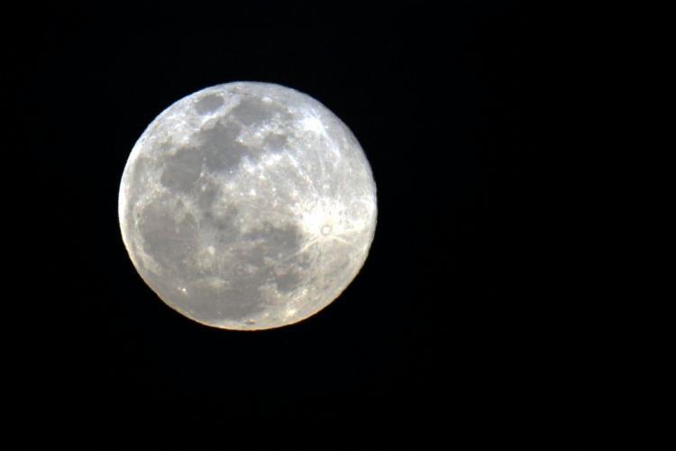 O fenômeno acontece na noite desta terça-feira, 19, e poderá ser visto a olho nu. - Foto: Divulgação
