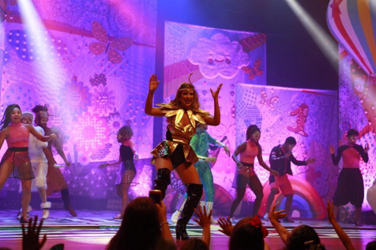 Com coreografias fáceis e canções que estão entre as mais tocadas do país, o show é voltado para toda a família.