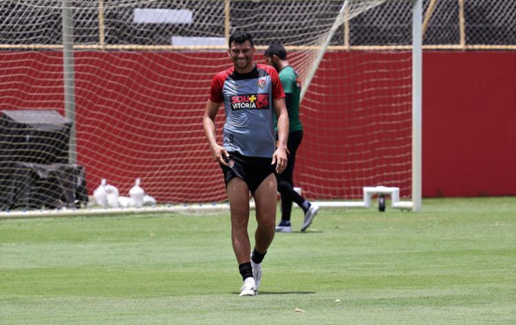 Já regularizado e confirmado entre os relacionados, atacante pode jogar neste sábado, 16 - Foto: Maurícia da Matta l EC Vitória