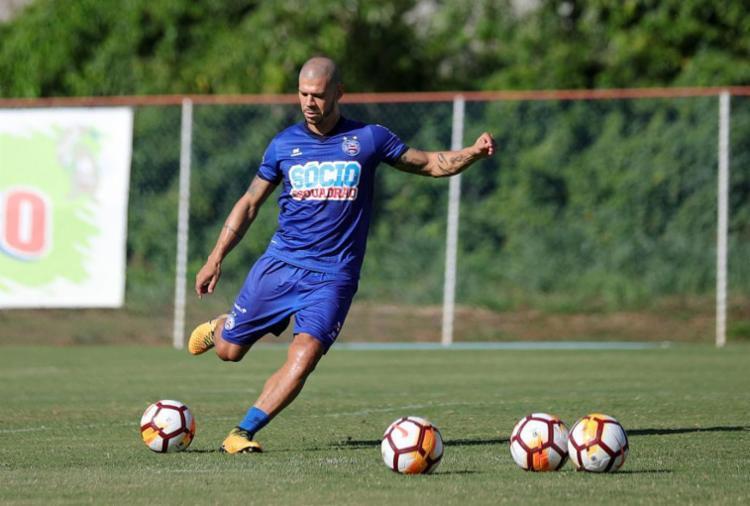 Volante é o jogador mais velho do time alternativo e já marcou gol de cabeça - Foto: Felipe Oliveira l ECBahia