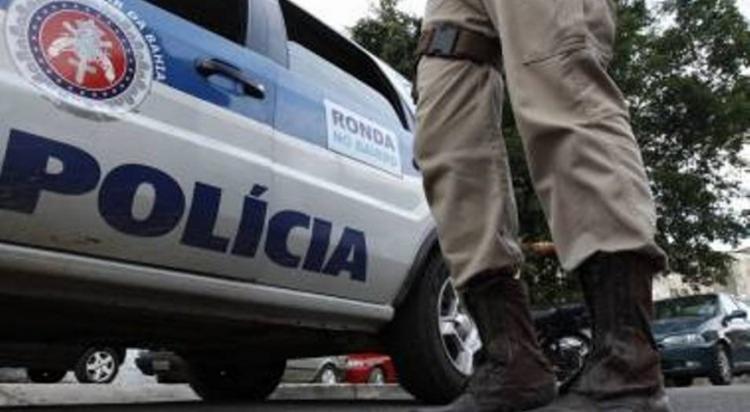 Segundo testemunhas, o homem foi morto por pelo menos, três suspeitos. - Foto: Divulgação