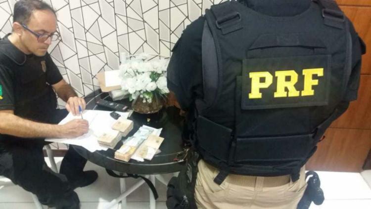 Cerca de 55 policiais federais e 80 policiais rodoviários federais estão participando