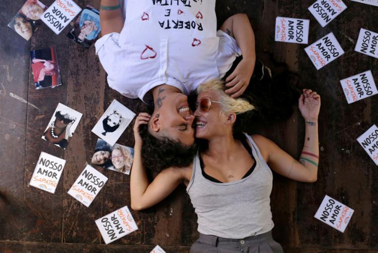 Talitha Andrade (dir) e Roberta Nascimento se casam nesta quarta - Foto: Raul Spinassé | Ag. A TARDE