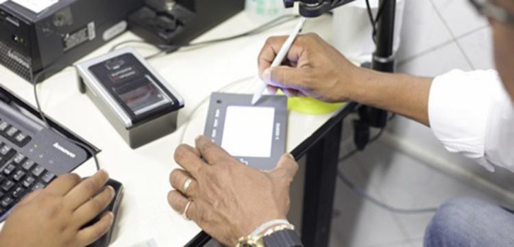 Segundo o TRE, 400 mil eleitores ainda não realizaram o procedimento - Foto: Foto: Divulgação TRE-BA