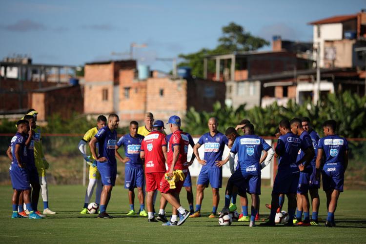 Sob o comando do técnico Enderson Moreira, elenco tricolor treina de olho na estreia da competição continental - Foto: Felipe Oliveira l EC Bahia