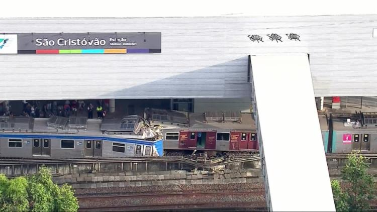 Sete pessoas foram levadas com ferimentos ao hospital Souza Aguiar - Foto: Reprodução | TV Globo