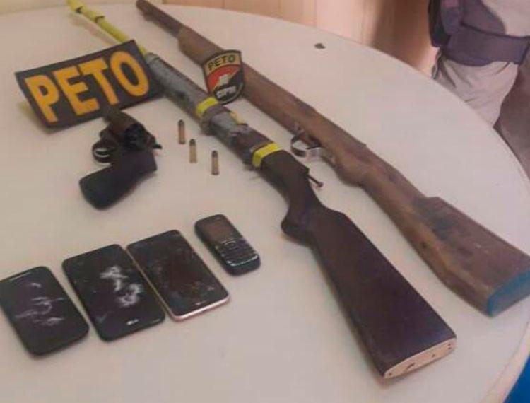 Armas foram encontradas com suspeitos - Foto: Divulgação | SSP-BA