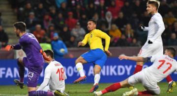 Atacante marcou dois gols na partida - Joe Klamar l AFP