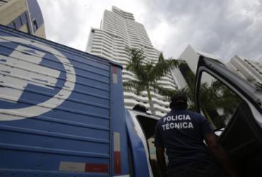 Polícia ainda desconhece causa de morte de pai e filho em prédio | Raul Spinassé l Ag. A TARDE