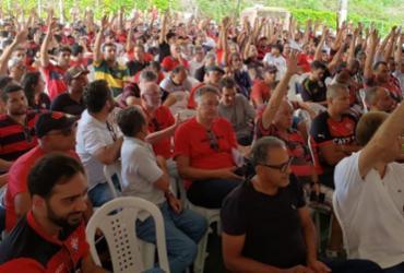 Sócios-torcedores do Vitória aprovam antecipação de eleições no clube | Raphael Müller | Ag. A TARDE