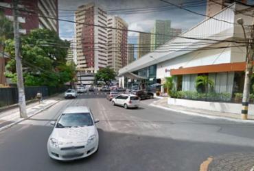 Uma pessoa fica ferida após ser atropelada na Pituba | Reprodução | Google Street View