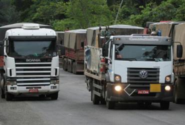 Petrobras reajusta em R$ 0,10 litro do diesel nas refinarias | Tiago Caldas | Ag. A TARDE