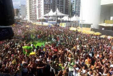 Barra-Ondina: confira imagens do segundo dia de Carnaval |