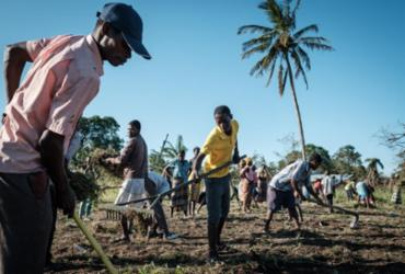 Após ciclone, Moçambique enfrenta risco de surto de cólera   Yasuyoshi Chiba   AFP