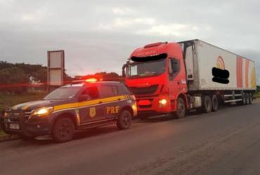 Motorista de caminhão é preso por dirigir embriagado na BR-101 | Divulgação | PRF