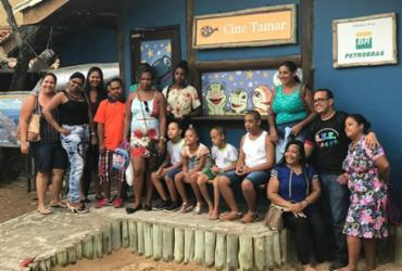 Estudantes da Educação Especial de Mata de São João visitam Praia do Forte