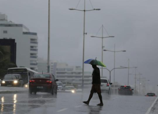 Salvador registra 32 ocorrências após chuva neste sábado | Raul Spinassé | Ag. A TARDE