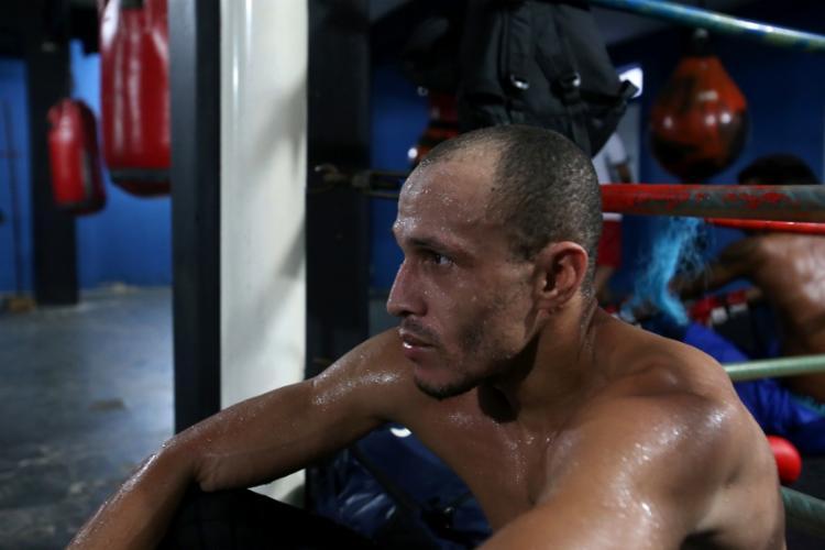 Lutador busca ganhar sequencia no boxe profissional - Foto: Adilton Venegeroles | Ag. A TARDE