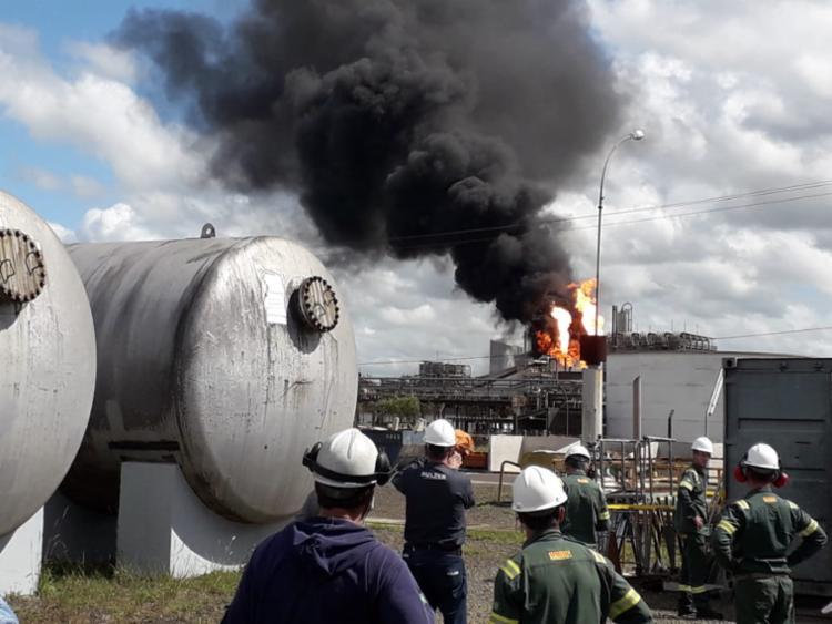 Segundo a empresa, o procedimento foi necessário para corrigir a operação de um reator de uma das plantas - Foto: Reprodução   Cidadão Repórter via Whatsapp