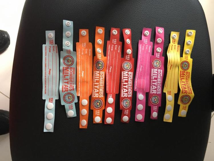 De acordo com a major Ana Fausta, serão distribuídas 30.000 pulseiras reutilizáveis, resistentes e produzidas com Nylon 70