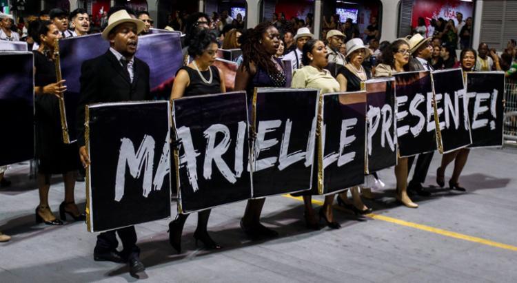 Marielle Franco foi homenageada pela escola no desfile - Foto: Miguel Schincariol | AFP