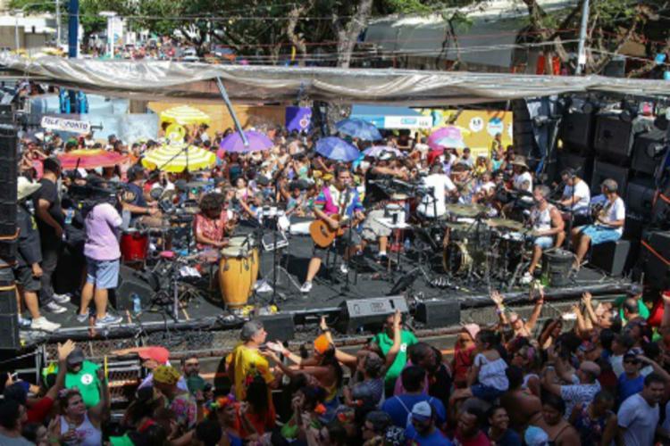 Circuito Osmar : Atrações ecléticas animam último dia de carnaval no circuito osmar