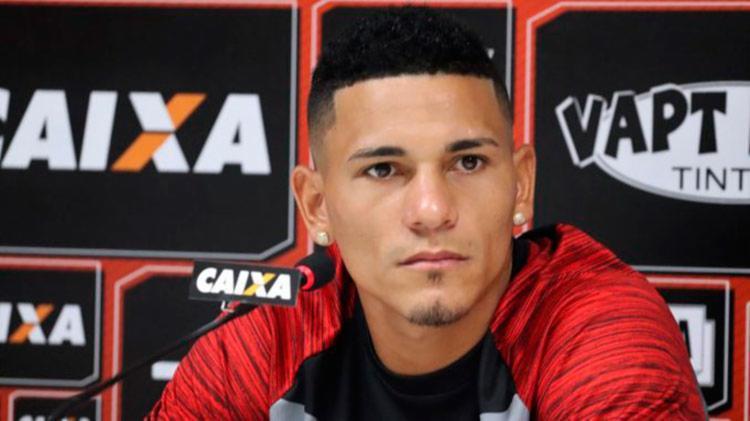 Volante acredita que o Rubro-Negro consiga um resultado positivo no próximo domingo - Foto: Maurícia da Matta | EC Vitória