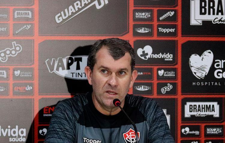 Sobre Escudero, Tencati afirmou que preferiu segurar o atleta por mais uma semana - Foto: Maurícia da Matta | EC Vitória