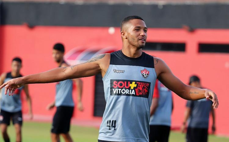 O atleta de 28 anos, que pertence ao Nagoya Grampus, do Japão, chega com contrato até o final do ano - Foto: Maurícia da Matta | EC Vitória