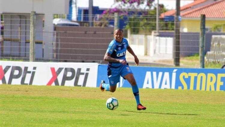 O atleta desembarcou nesta terça-feira, 26, em Salvador - Foto: André Palma Ribeiro | Avaí