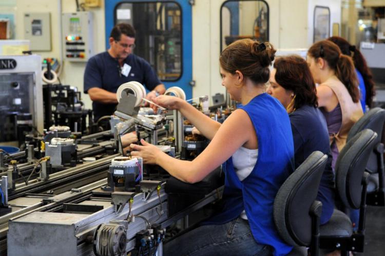 O valor médio da hora trabalhada era de R$ 13,0 para as mulheres - Foto: Agência Brasil | Arquivo