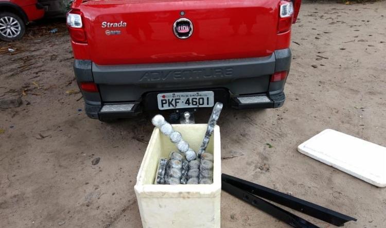 Droga era transportada por dois suspeitos, que foram detidos na divida da Bahia com Sergipe - Foto: Reprodução