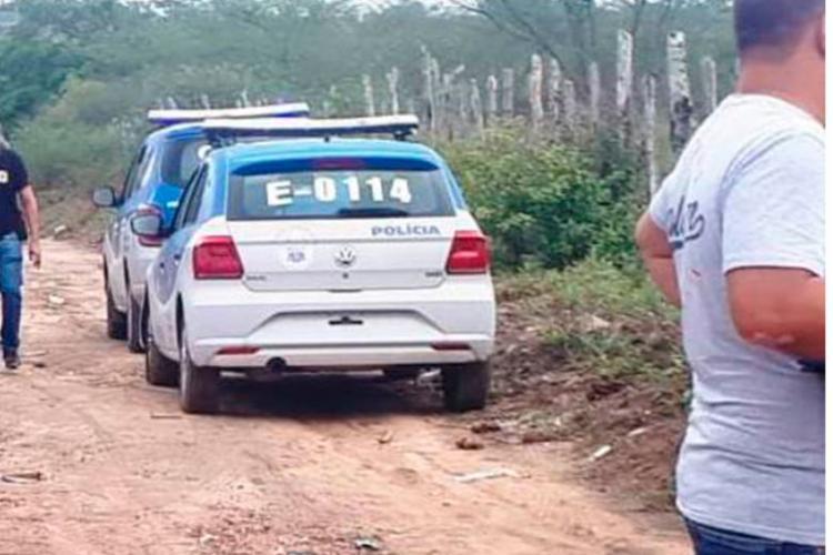 O corpo de uma das vítimas foi encontrado no distrito de Humildes - Foto: Reprodução   Acorda Cidade