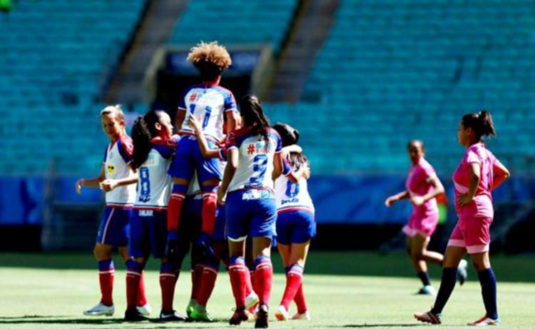 Pela primeira vez, o time feminino do Esquadrão atuou na Fonte Nova - Foto: Divulgação | EC Bahia