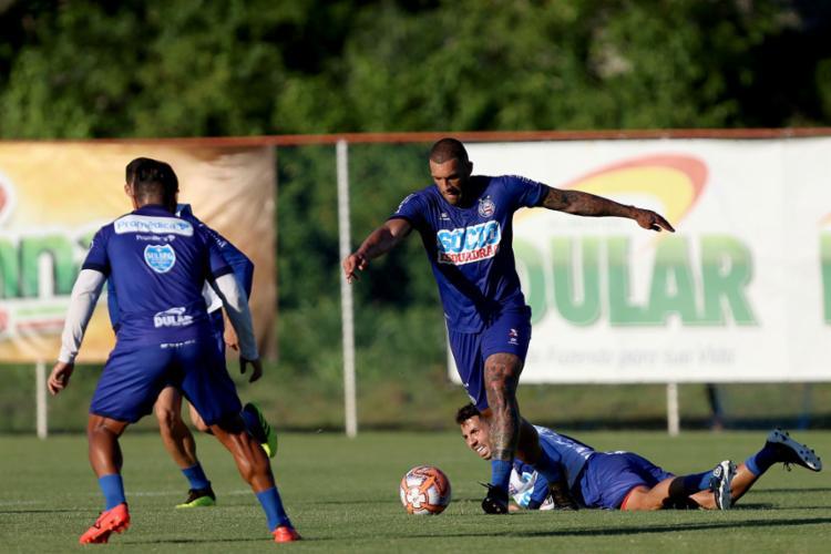 O atacante Fernandão participou normalmente da atividade desta sexta-feira, 8 - Foto: Felipe Oliveira l EC Bahia