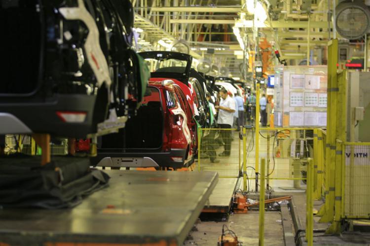 A fábrica da Ford em Camaçari tem operado em três turnos, e, considerando todo o complexo produtivo em torno da planta, gera cerca de 10 mil empregos, conforme o sindicato - Foto: Joá Souza l Ag. A TARDE