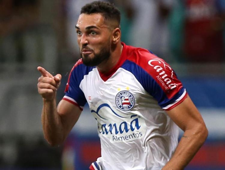 Gilberto fez um golaço e marcou também de pênalti no Piauí - Foto: Felipe Oliveira l EC Bahia