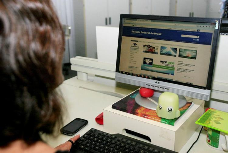 Serviços estão disponíveis no site do Centro Virtual de Atendimento da Receita Federal (e-CAC) - Foto: Edilson Lima   Ag. A TARDE
