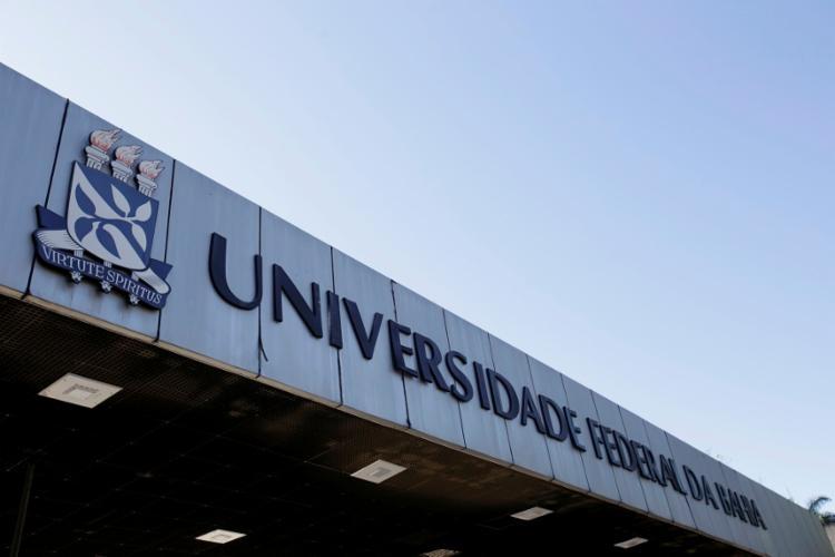 Lachenmayer desenhou o brasão de universidades, como o da Federal da Bahia