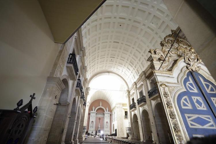 Lachenmayer projetou as portas e do teto da Igreja de São Bento, anexa ao mosteiro - Foto: Joá Souza / Ag. A TARDE