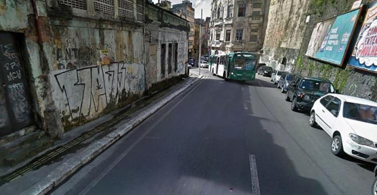 Desabamento que causou a interdição da via aconteceu no último dia 18 | Foto: Reprodução | Google Maps - Foto: Reprodução | Google Maps