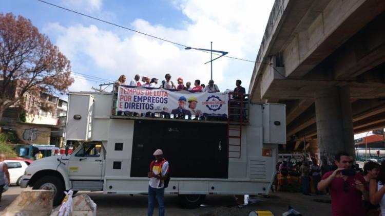 Manifestantes irão fazer uma caminhada sentido Iguatemi | Foto: Raul Aguilar | Ag. A TARDE